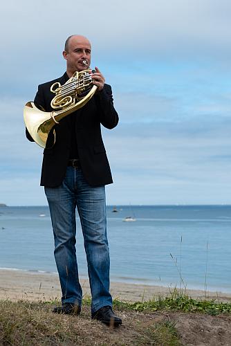 Principal horn with Spain's prestigious Orquesta de RadioTelevision Española
